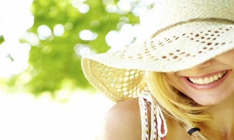 قلة التعرض للأشعة الشمس تجعل النساء أكثر عرضة للسرطان
