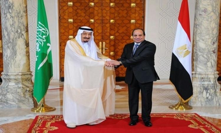 مرتضي منصور يهدى الملك سلمان رئاسة نادي الزمالك