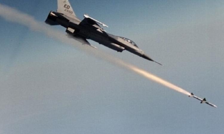 الطيران السورى يدمر 20 آلية لداعش الإرهابى بتدمر