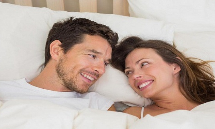 نصيحة للزوجات : متى تقتربين من زوجك ؟ وكيف ؟