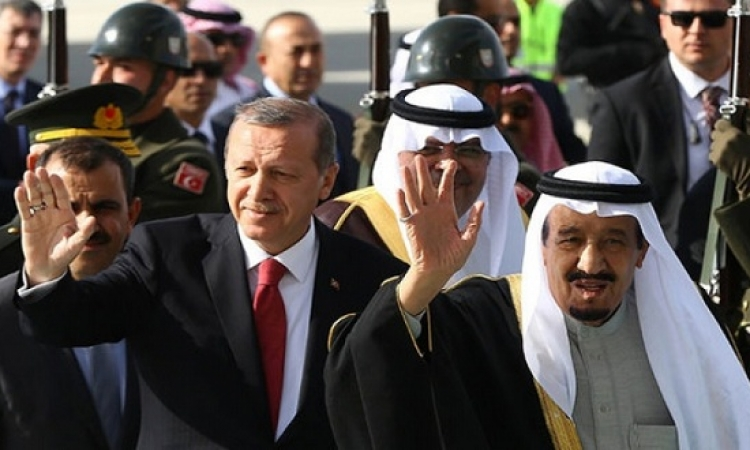 الرئيس التركى يستقبل خادم الحرمين بالخّيالة والسيوف