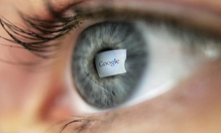 عدسة جوجل الذكية .. تزرع فى العين لتصحيح النظر