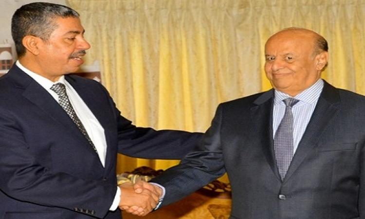 الرئيس اليمنى يطيح ببحاح ويعين الأحمر نائباً ودغر رئيساً للوزراء
