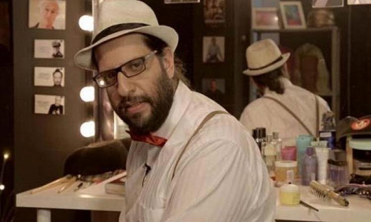 بالفيديو .. أحمد أمين يشرح أنواع الخناقات الزوجية : متنوعة ومعتادة
