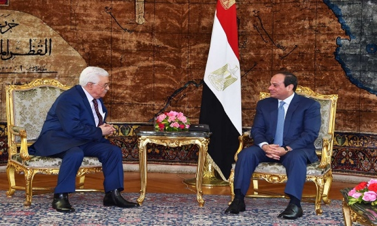 السيسى يؤكد لعباس دعم مصر لمبادرات تسوية القضية الفلسطينية
