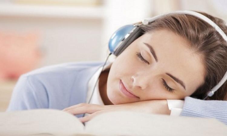 الموسيقى تخفف من آلام الأعصاب عقب جراحات العيون