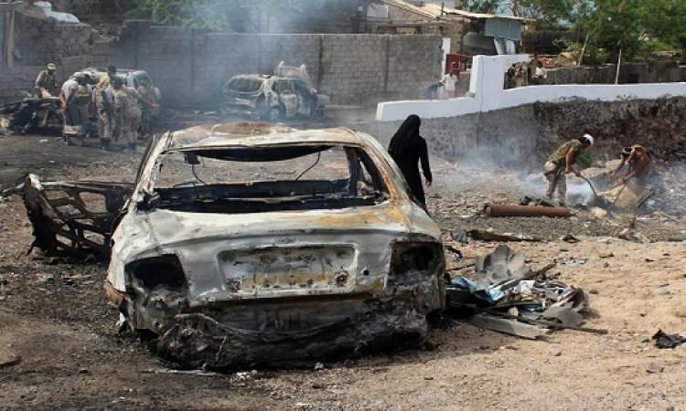 مقتل واصابة العشرات بهجوم انتحارى على معسكر الجيش اليمنى بالمكلا