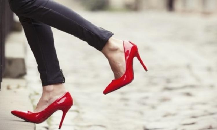 أفكار ونصائح عند اختيارك للحذاء المناسب!!