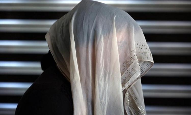 بالصور .. داعش يعمل فى الدعارة .. ويعرض فتيات للبيع !!