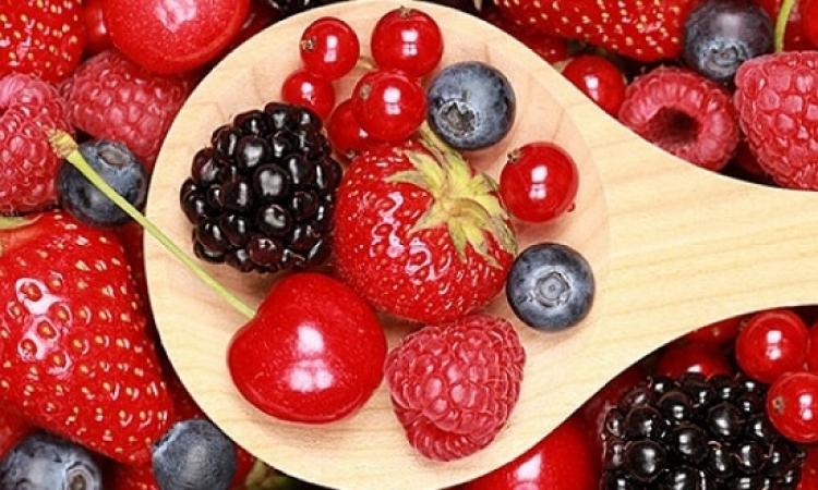 الفواكه الحمراء تحمى من الأمراض السرطانية والقلب