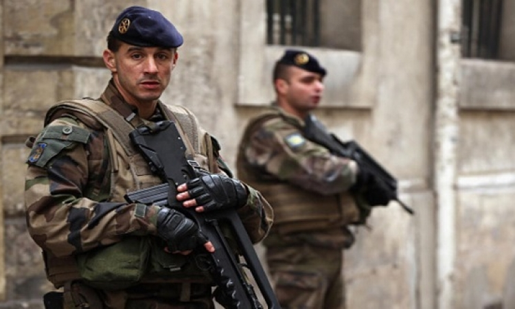للمرة الثالثة .. تمديد حالة الطوارئ في فرنسا