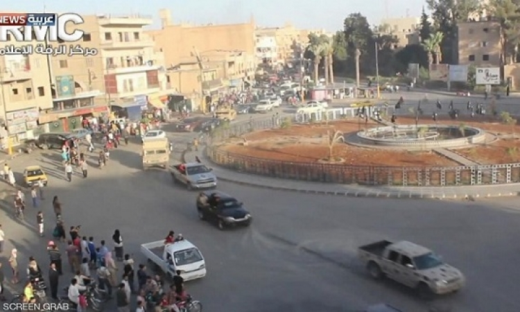 """الأكراد و""""سوريا الديمقراطية"""" يهاجمون معقل داعش فى سوريا"""