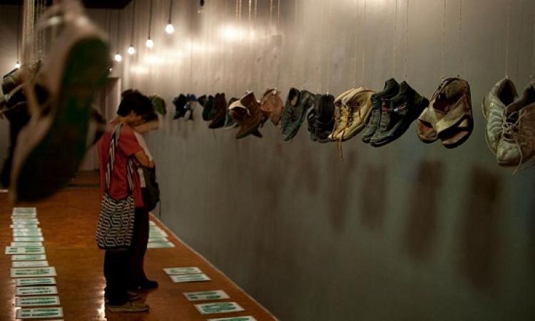 معرض الأحذية المعلقة بالمكسيك للتذكير بالمفقودين
