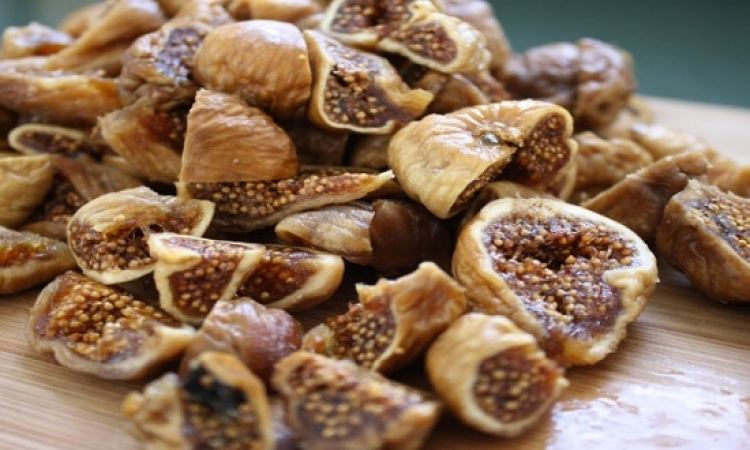 8 فوائد مدهشة لتناول التين المجفف.. خشاف بقى!!