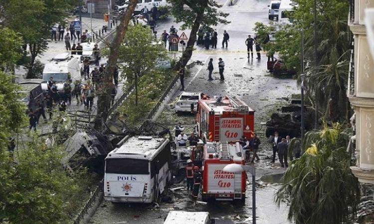 11 قتيلاً و 40 جريحاً فى تفجير حافلة شرطة باسطنبول