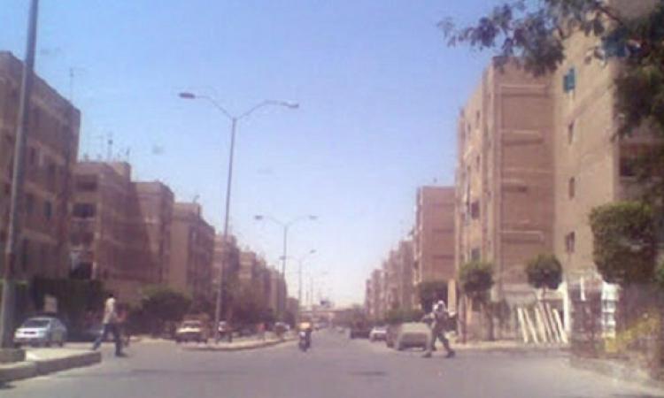 بالفيديو.. اكتشاف اثنين من العمالقة يسيران بشوارع الجيزة!!