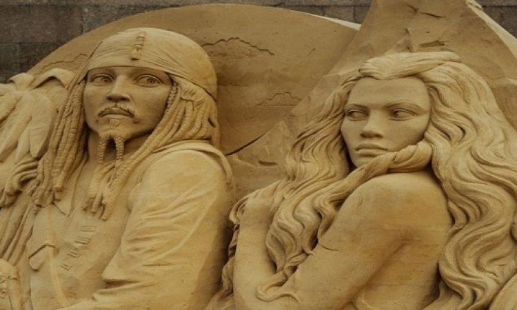 بالصور..أبطال الأفلام الأسطورية على رمال سان بطرسبرج