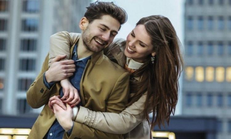 """5 حاجات تسعد الراجل أكثر من كلمة """"بحبك"""".. طبقيها!!"""