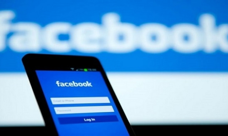 الحكومة تنفى فرض ضرائب على حسابات فيسبوك