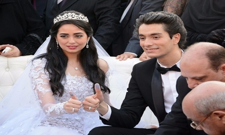 بالفيديو .. محسن لهبة مجدى فى حفل زفافهما : بحبك من زمان جداً