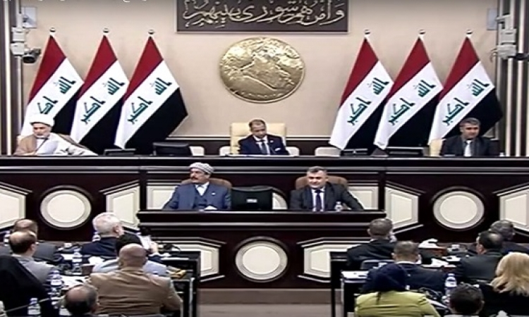 """البرلمان العراقى يمرر قانون يسمح بدمج """"الحشد الشعبى"""" بالجيش"""