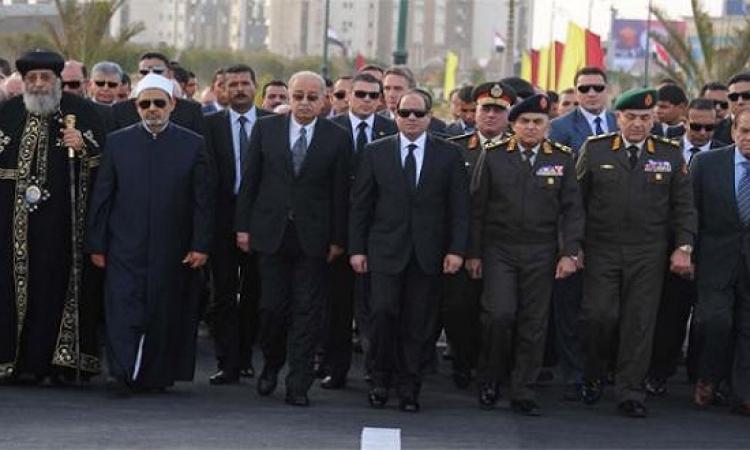 السيسى يتقدم الجنازة العسكرية لتشييع العالم الراحل أحمد زويل