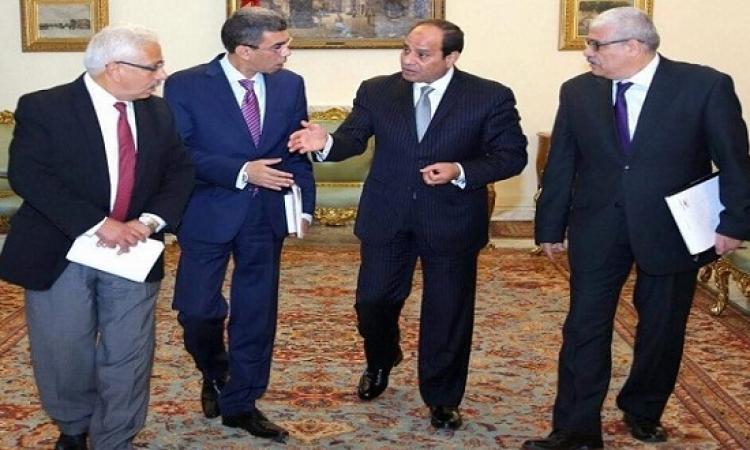 السيسى فى حواره للصحف القومية : لن نترك محدودى الدخل دون حماية