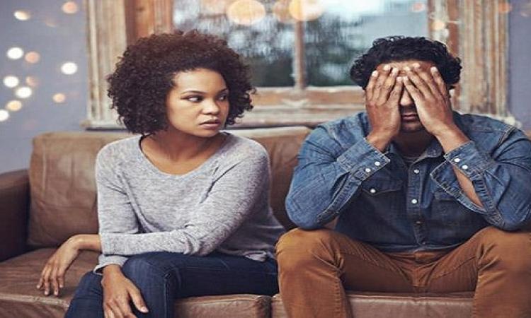 تجنبى هذه الأفعال التى تشعر زوجك بالملل والخنقة