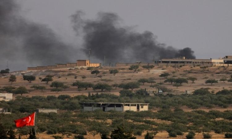 مقاتلو الجيش الحر يعبرون من تركيا إلى الأراضى السورية