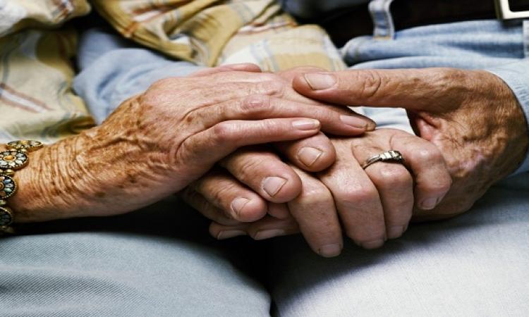 مسنان أمريكيان تزوجا 63 عاما وتوفيا فى ساعة واحدة