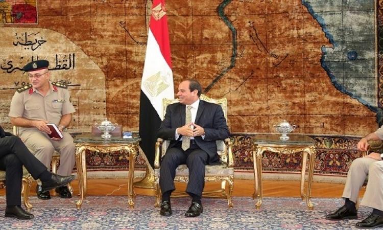 السيسى يبحث تعزيز التعاون العسكرى مع وزير الدفاع الفرنسى