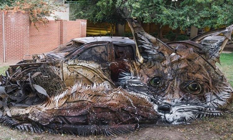 بالصور .. فنان برتغالى يحول المخلفات لحيوانات مذهلة