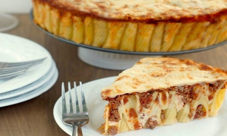 بالفيديو .. طريقة عمل مكرونة ريجاتونى بالجبن واللحم المفروم