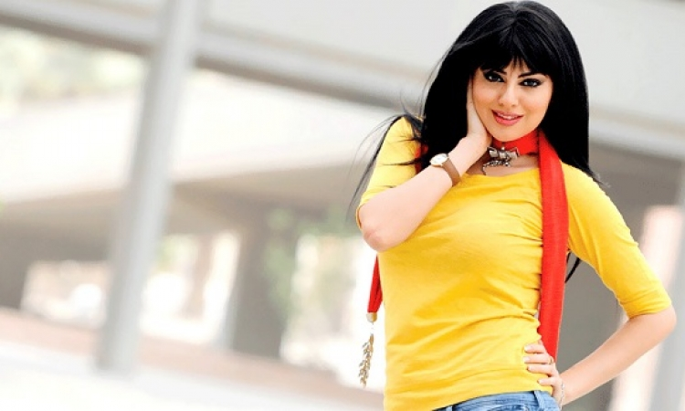 بالصور .. آثار الحمل تظهر على مريم حسين خلال الاحتفال بزفافها !!