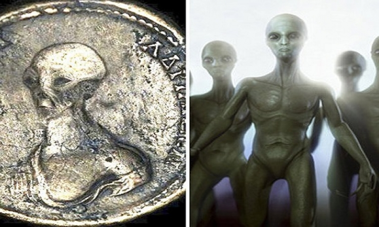 مفاجأة بالصور .. مخلوقات فضائية على قطع نقدية مصرية قديمة !!