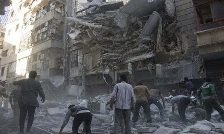 الجيش السورى يقصف حلب ويستعيد مناطق بحماة
