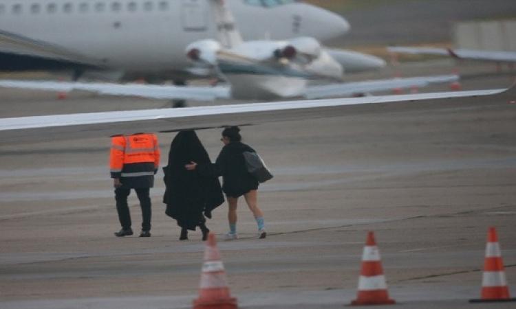 بالصور .. كيم كارداشيان تغادر باريس بعد تعرضها للسرقة