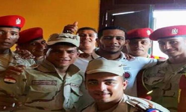 """بالصور.. محمد رمضان يقدم أوراق التحاقه بالجيش.. ويعلق:""""بإذن الله العريش"""""""