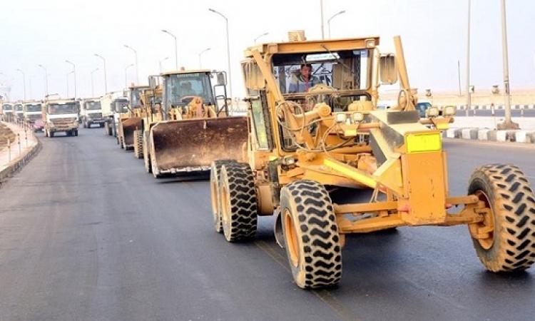 بالصور .. الجيش يساعد فى رفع الآثار الناجمة عن السيول وتقديم الدعم للمتضررين