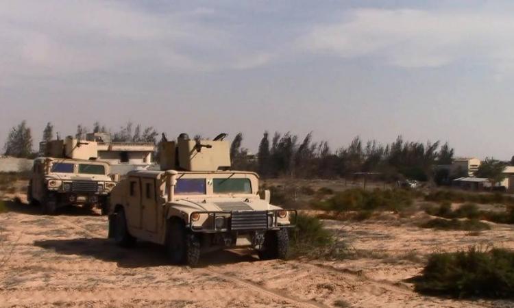 عمليات تمشيط واسعة لقوات إنفاذ القانون بشمال سيناء لمطاردة الإرهابيين