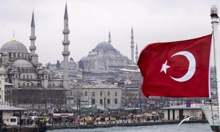 ديمقراطية اردوغان : إقالة 15 ألف موظف وإغلاق 600 مؤسسة ووسيلة اعلام