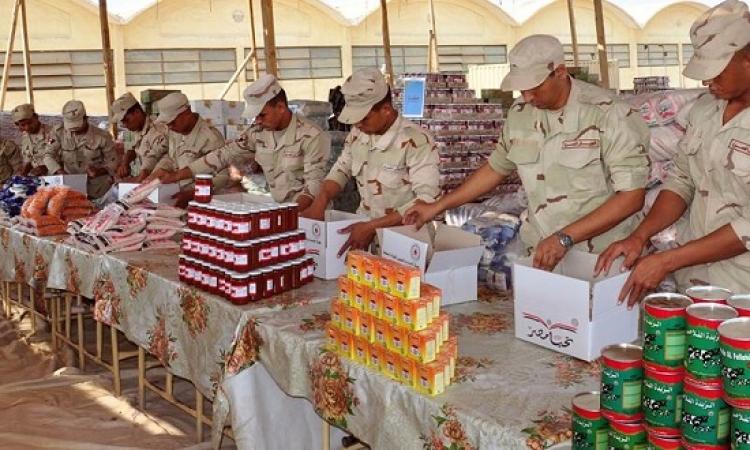 بالصور .. القوات المسلحة تنتهى من تجهيز 8 ملايين عبوة غذائية بنصف الثمن