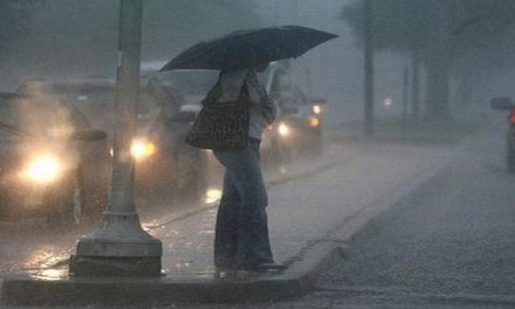 """""""المرور"""" تغلق كوبرى الدقى فى الاتجاهين بسبب هطول الأمطار"""