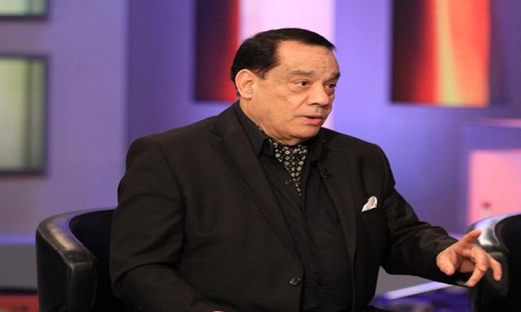 حلمى بكر يطالب بمنع احمد عدوية من الغناء ؟!
