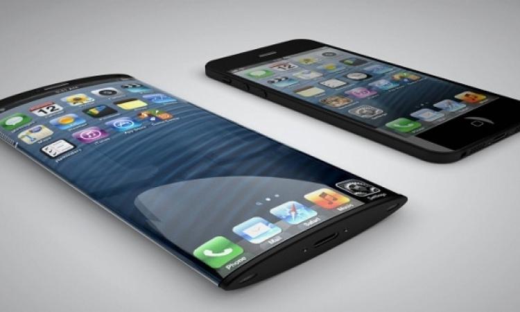 هاتف آيفون 8 بشاشة قابلة للطى