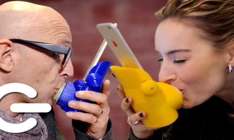 فتاة صينية تطور جهازا ذكيا يُمكنك من تقبيل حبيبك عن بعد