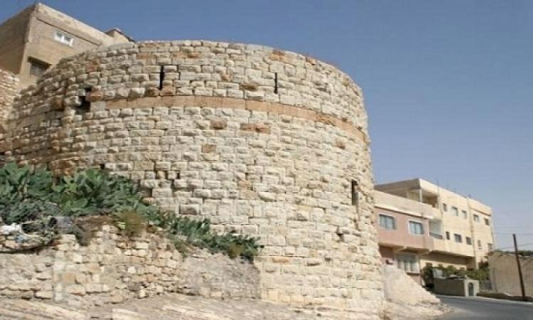 مسلحون يتحصنون بقلعة الكرك بعد قتل رجال أمن بالعاصمة الاردنية عمّان