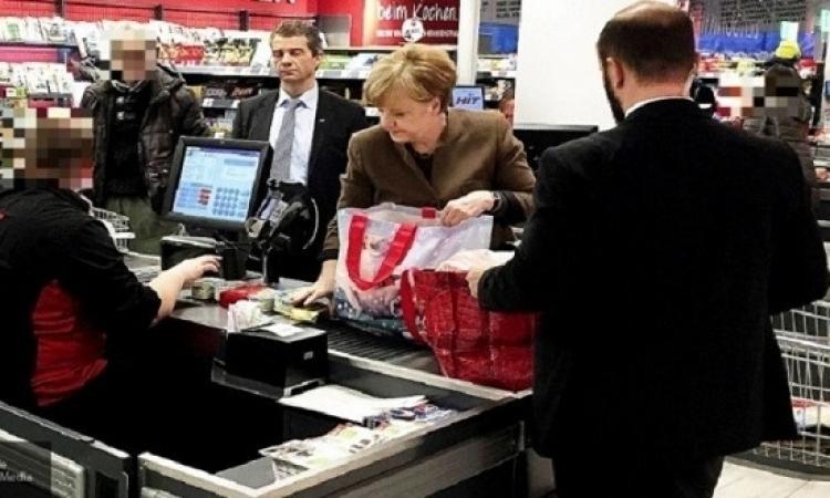 ميركل تشترى بطاطا وجبنة وزبدة وفلفل استعدادا للأعياد