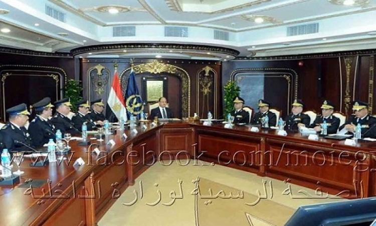وزير الداخلية : مصرون على اقتلاع جذور الإرهاب من سيناء