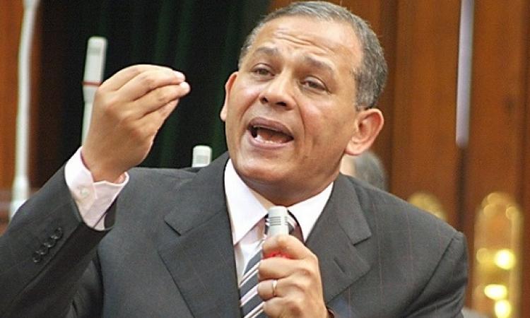تشريعية النواب تؤيد إسقاط عضوية السادات